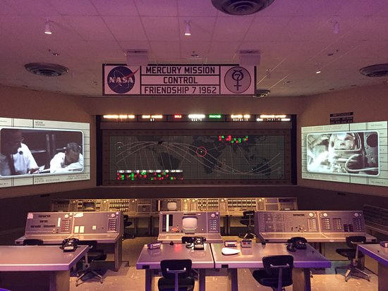 U.S. Astronaut Hall of Fame: Mission Controle