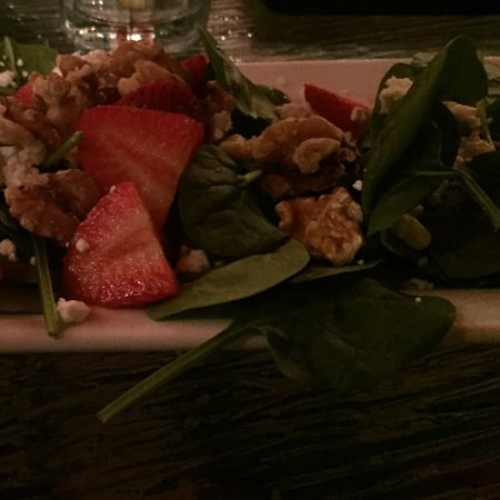 Matanzas on the Bay: Strawberry spinach salad with goat cheese