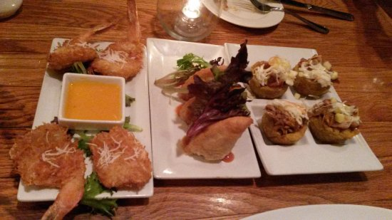 Melaza Bistro : Tapas, Coconut shrimp, Empanadas & Pulled pork in plantain cups