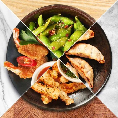 Mount Wellington, Selandia Baru: Chilli and Garlic Edamame, Gyoza, Crispy Chilli Fried Squid, Crispy Fried Prawns