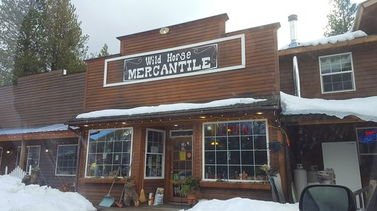 Bonners Ferry, ID: front of store