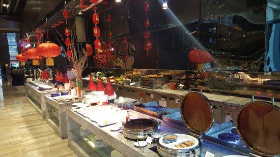 Weifang, China: Breakfast buffet.
