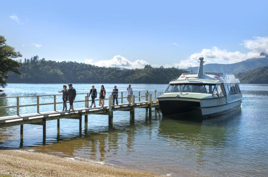 Queen Charlotte Sound Mail Boat Cruise