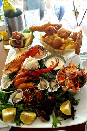 Noosaville, ออสเตรเลีย: The famous Seafood Platter for two - a must