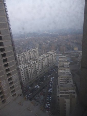 Anshan, Kina: View from 23rd floor, rear of hotel.
