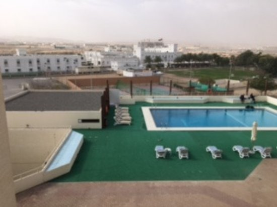 Seeb, Oman: pool and tennis courts