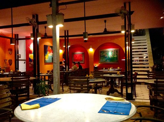 Garis Garis Restaurant