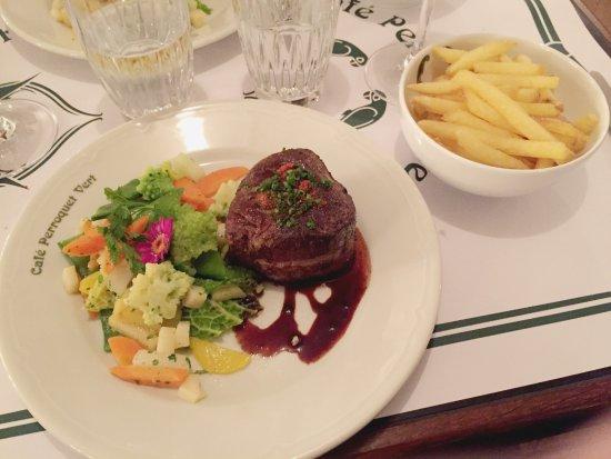 Biel, Ελβετία: Black Angus mit Gemüse