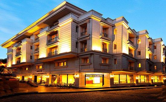 Recital Hotel: Hotel exterior