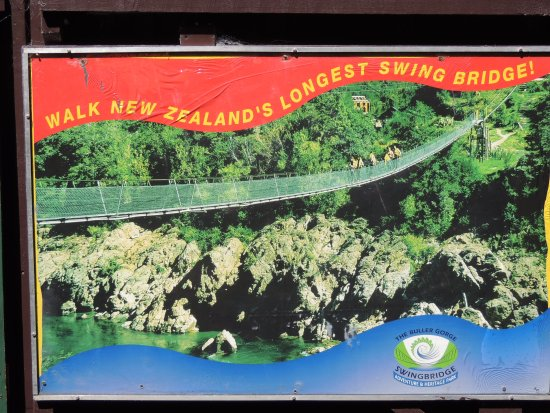 Nelson-Tasman Region, New Zealand: Picture at entrance to Swingbridge