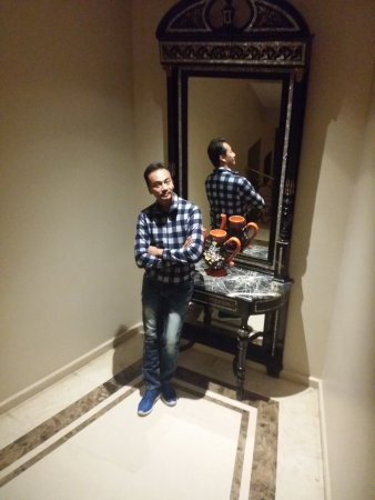 Almira Hotel Bursa: By the staircase to Restaurant