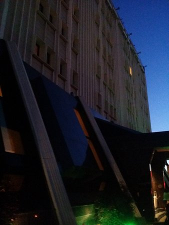 Almira Hotel Bursa: Outside in the morning
