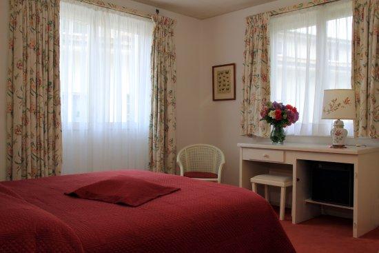 피콜로 호텔