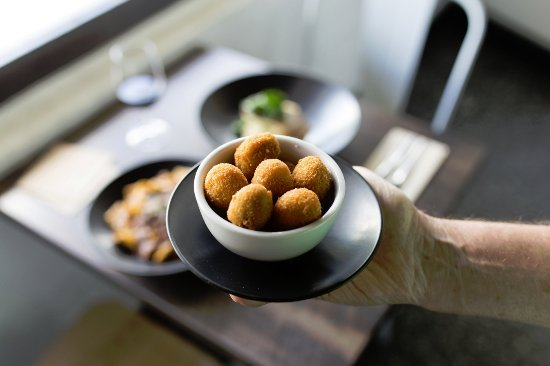 Moonee Ponds, Australia: Fetta Stuffed Olives