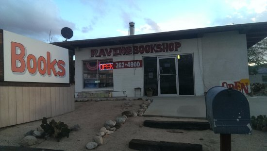 Twentynine Palms, CA: Easy to find on 29 Palms Hwy.