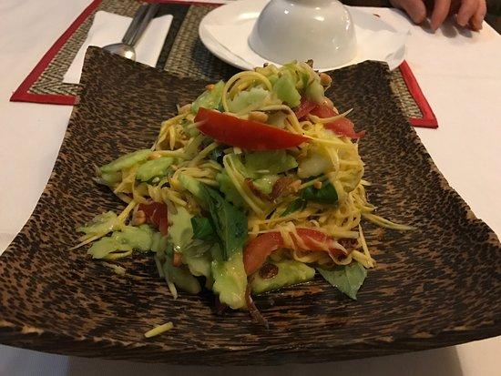 Chamkar: ヌードル・サラダ