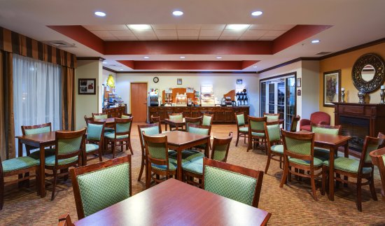 Holiday Inn Express Suites Ocala - Silver Springs: Dining Room for our Complimentary Hot Breakfast buffet