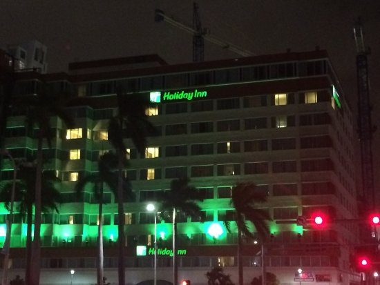 Holiday Inn Port of Miami Downtown: ゲームの後のHoliday Inn