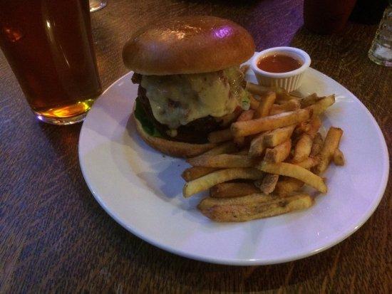 Frodsham, UK: 'The Bomb' Burger