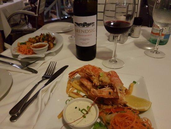 Umdloti, Sydafrika: Vorspeisen und Wein