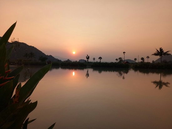 Cha-am, Thailand: Had four days fishing in the most spectacular scenery. Accommodation ***** plus, staff are alway