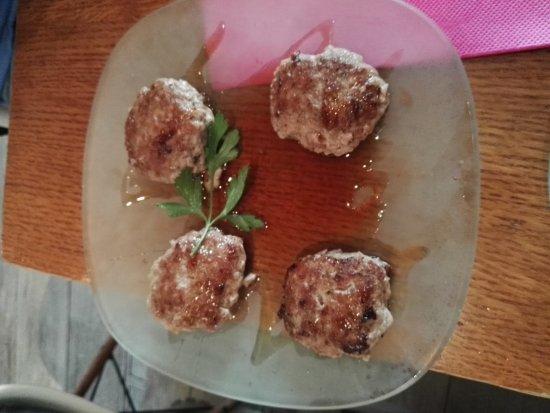 Restaurante Lateral Fuencarral: Lo mejor la salsa de las mini hamburguesas