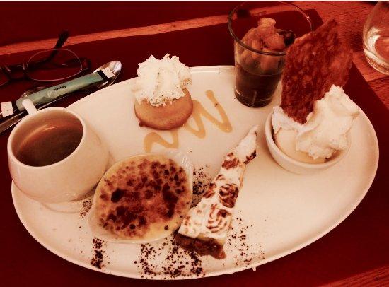 Le Pied de la Gargouille: Café gourmand. On comprend pourquoi il est gourmand !!