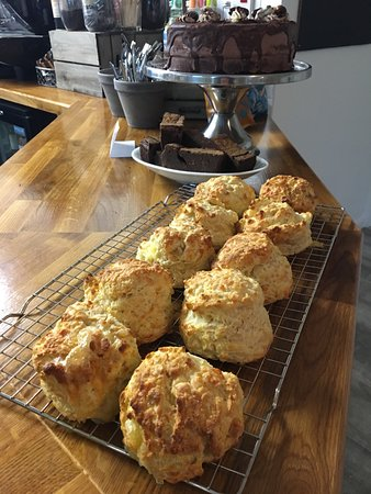 Overstrand, UK: Fabulously tasty cheese scones!