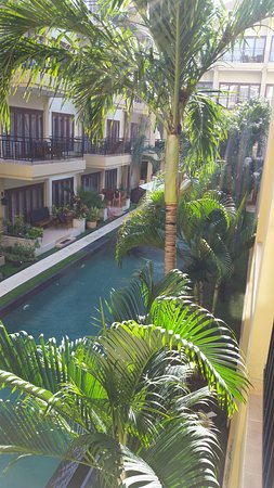 Kuta Town House Apartments: View of lap pool from Balcony