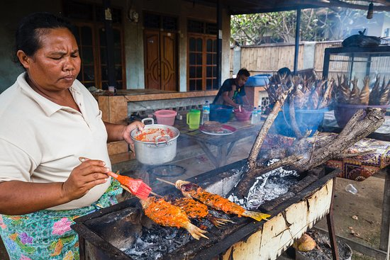 Senggigi, Indonesia: Yummy grilled reef fish cooked by the locals.