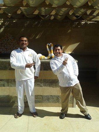 Sindbad Aqua Hotel & Spa : Mohammed und ever-smiling-George