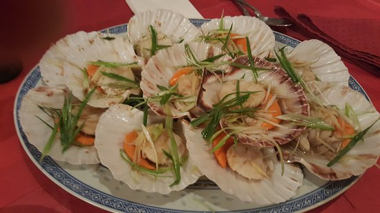 Darwen, UK: stem scallop with ginger snd spring onion