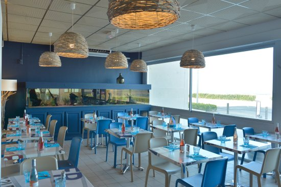 Prefailles, Γαλλία: La salle avec son Aquarium. La Brasserie La Flottille.