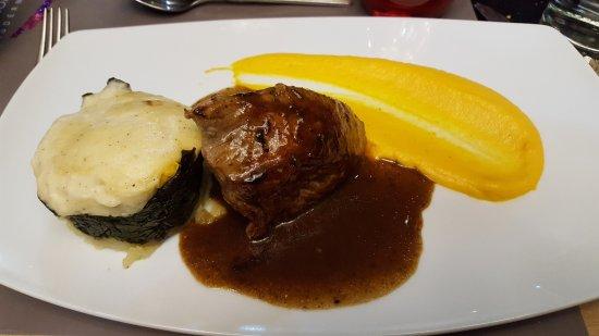 Uriage les Bains, Γαλλία: Pavé de veau jus réduit