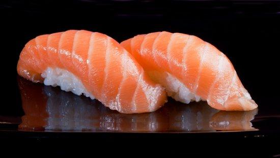 Sassenheim, Países Bajos: Genieten van de heerlijkste Aziatische gerechten, van sushi en fingerfood tot een heel menu.
