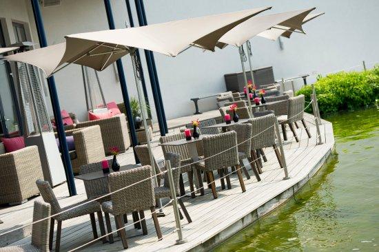 Sassenheim, Países Bajos: Terras OZZO Oriental & Lounge