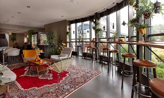 Sassenheim, Países Bajos: Lobby van het hotel