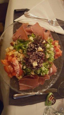 Stansstad, Suiza: Vorspeise Salat