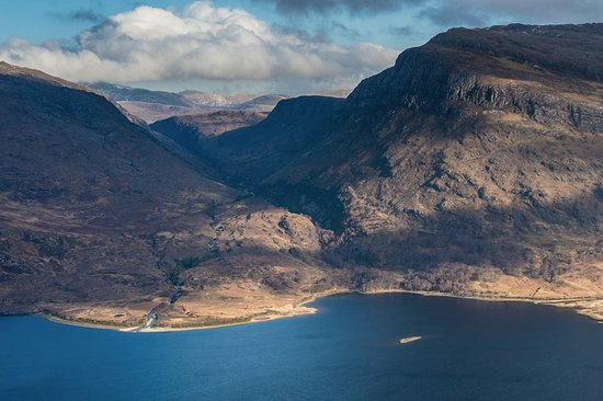 Kinlochewe, UK: Looking across to the route up Slioch