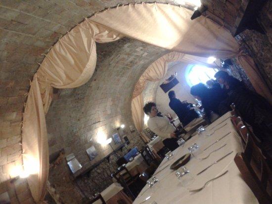 Verucchio, İtalya: il locale non è male