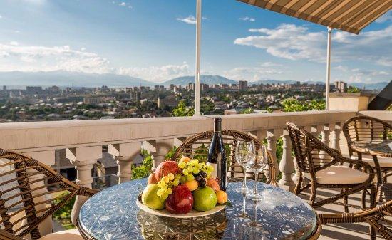 Arève Résidence Boutique Hotel: The view from panoramic terrace to Yerevan