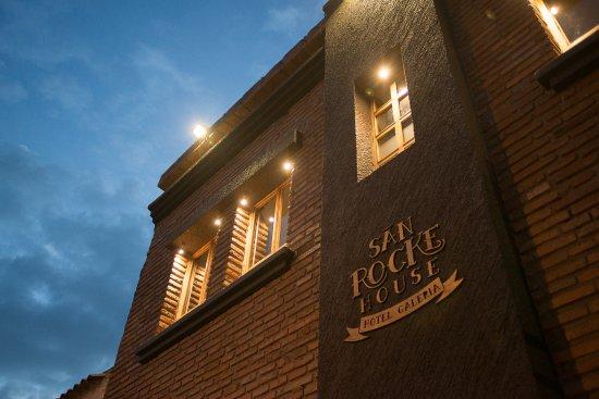 San Rocke House: Fachada: es un hotel con mucho estilo y diseño
