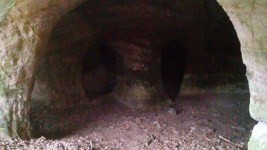 Peveril Castle: Caves