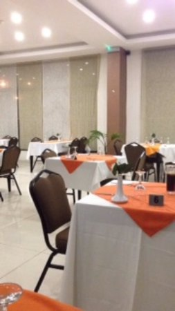 Grand Hotel d'Abidjan: Dining room bright and nice- Food was exceptional for Africa