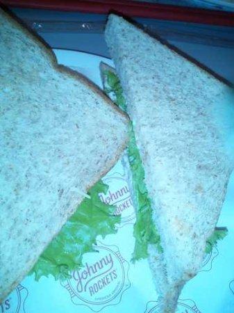 Johnny Rockets - Lotte Shopping Avenue: Tuna Sandwich