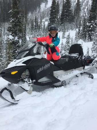 White N' Wild Snowmobile Tours: Best day of the holiday!!!
