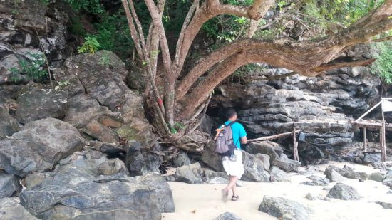 Monkey Trail: Only accessible in low tide..
