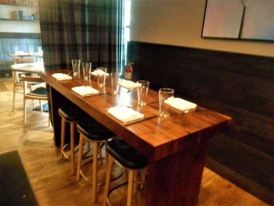 Luke's Kitchen and Bar: seating for larger groups