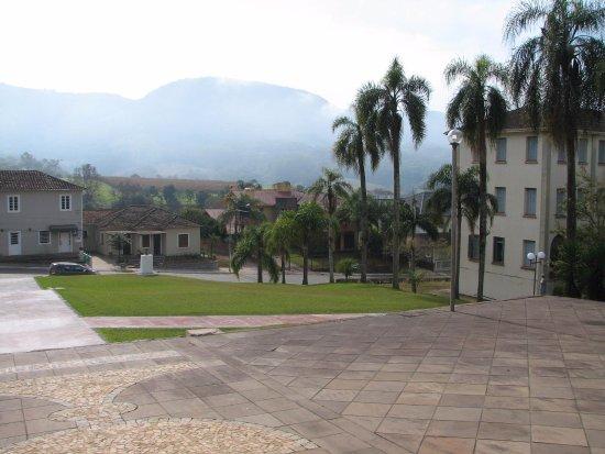 Igreja Matriz de Vale Vêneto: Vista de frente a igreja