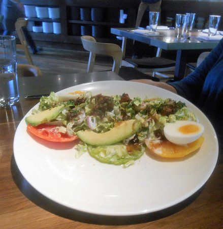 Luke's Kitchen and Bar: Salad